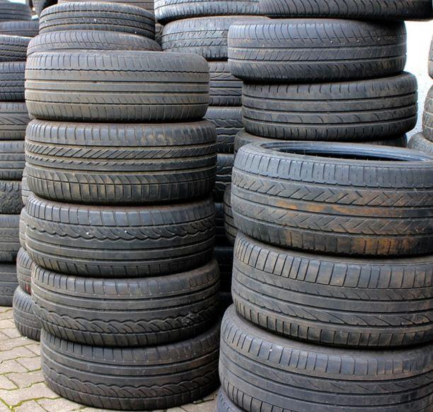 ¿Cómo evitar el desgaste de los neumáticos?