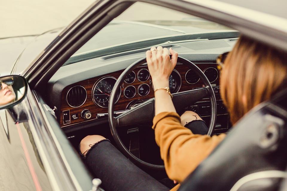 Comprobaciones antes de un viaje en coche (II)
